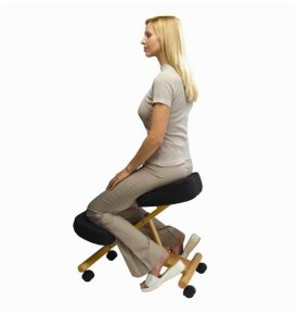 Better posture with a kneeling chair